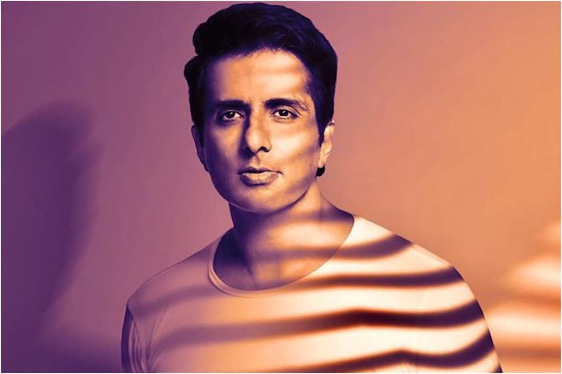 Sonu Sood Gets About 31,700 Messages for Help Daily, Says 'Humanly Impossible to Reach Out to Everyone'