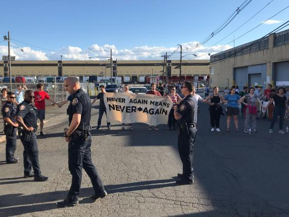 Hundreds of people blocked the entrance to the Elizabeth Detention Centre in New Jersey (Never Again Action)