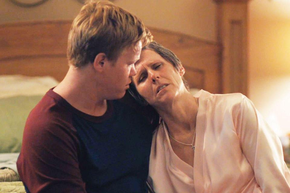 "<p>A gay man (Jesse Plemons) returns home to his conservative family to be with his cancer-stricken mom (Molly Shannon) in this sweetly comic semi-autobiographical film written and directed by Chris Kelly.</p><p><a class=""link rapid-noclick-resp"" href=""https://www.netflix.com/watch/80098288?trackId=13752289&tctx=0%2C0%2Cc688cfc8-7144-440f-aca3-5aee5a7647c6-42412%2C%2C"" rel=""nofollow noopener"" target=""_blank"" data-ylk=""slk:Watch Now"">Watch Now</a></p>"