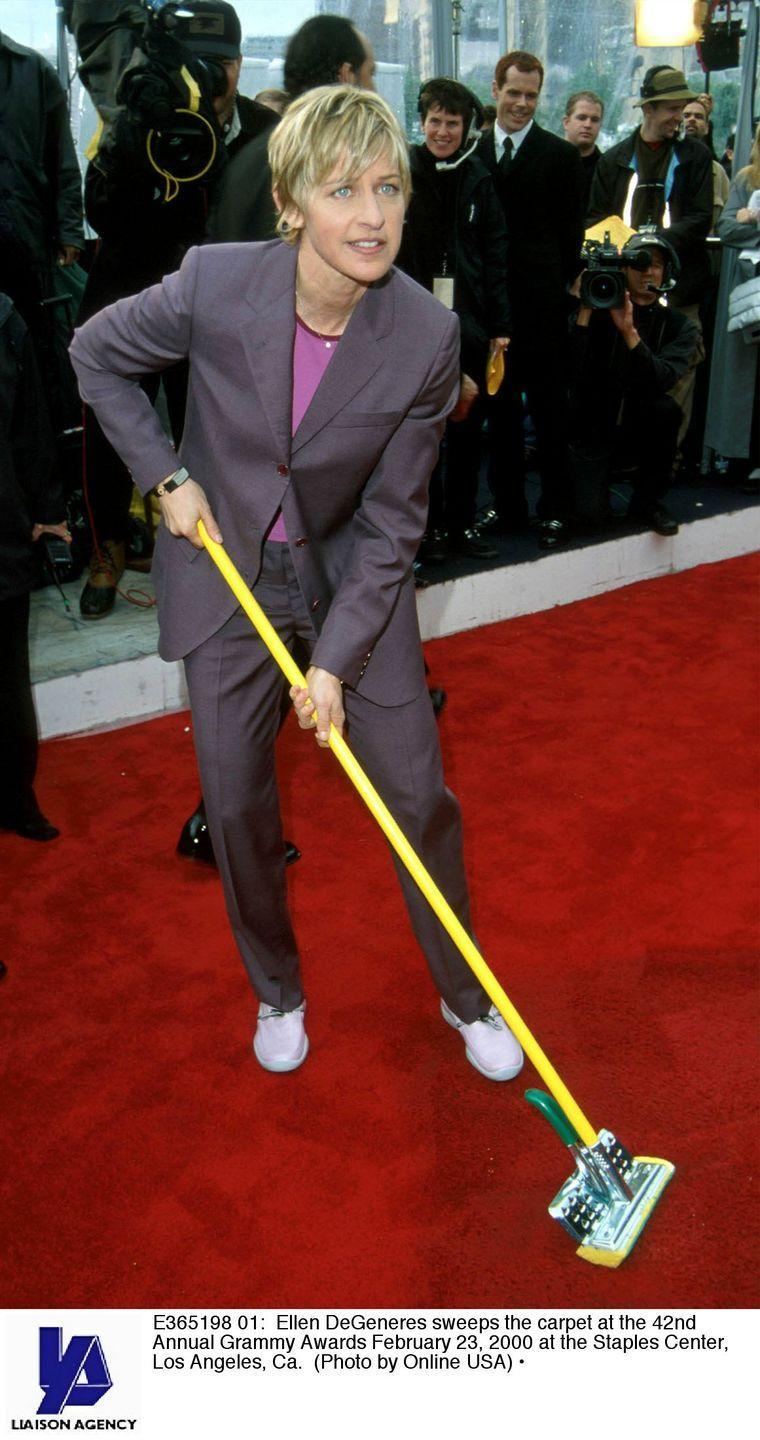 <p>Ellen wore a ~classic Ellen~ look to the awards: a suit and sneakers. Think you missed a spot, Ellen! </p>