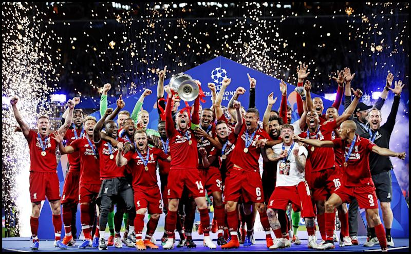 Captain Jorddan Henderson of Liverpool FC lifts the trophy after winning the UEFA Champions League final. during the UEFA Champions League final match between Tottenham Hotspur FC and Liverpool FC at Estadio Metropolitano on June 01, 2019 in Madrid, Spain(Photo by VI Images via Getty Images)