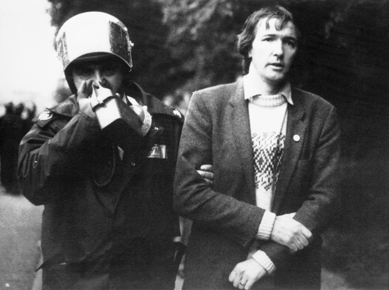<strong>Former Rother Valley Labour MP Kevin Barron taking part in a miners' strike in 1984</strong> (Photo: PA Archive/PA Images)