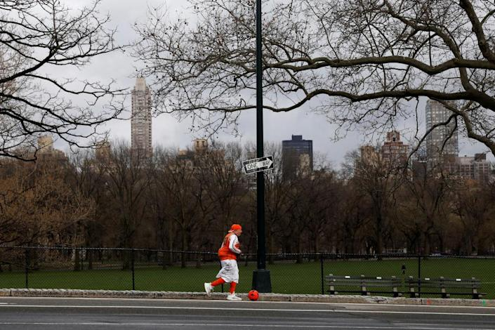 New Yorkers have been ordered to observe social distancing in parks and playgrounds.