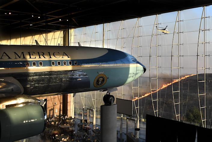 Former U.S. President Ronald Reagan's Air Force One sits on display at the Reagan Presidential Library as the Easy Fire burns in the hills on Oct. 30, 2019 in Simi Valley, California. (Photo: Wally Skalij/Los Angeles Times via Getty Images)