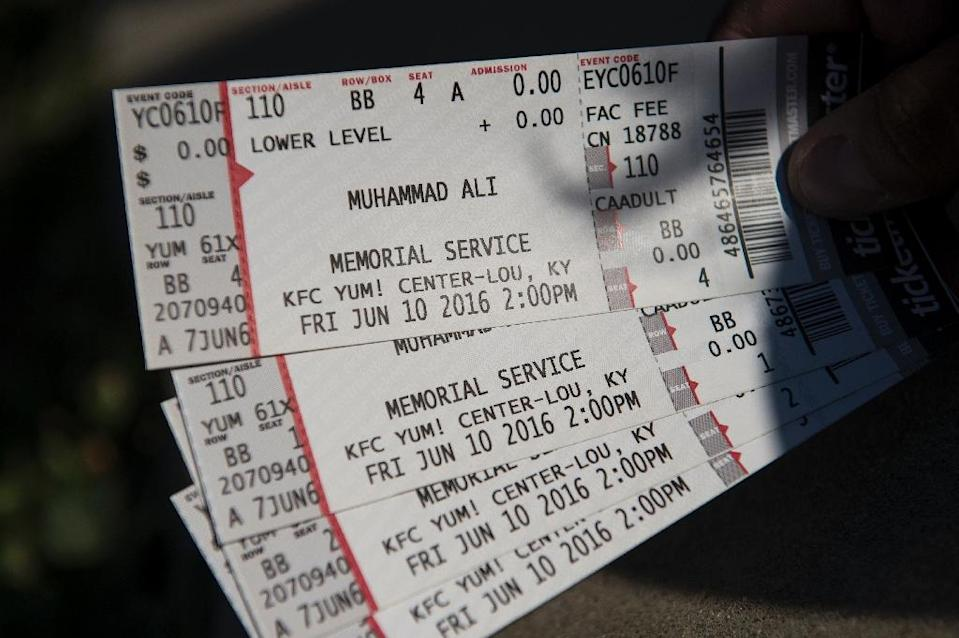 Tickets to a memorial service for boxing legend Muhammad Ali are seen outside the KFC Yum! Center on June 8, 2016 in Louisville, Kentucky (AFP Photo/Brendan Smialowski)