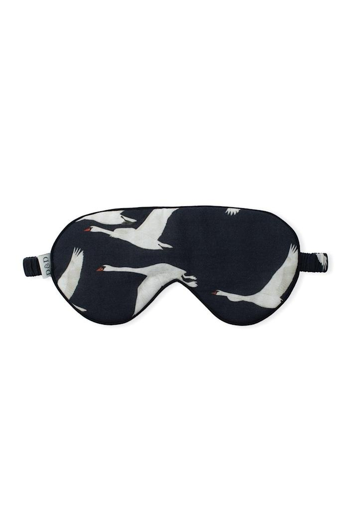 """<h3><a href=""""https://desmondanddempsey.com/collections/womens-eye-masks/products/cotton-luxe-eye-mask-cygnus-swan-print-black-women"""" rel=""""nofollow noopener"""" target=""""_blank"""" data-ylk=""""slk:Desmond & Dempsey The Cygnus Swan Eye Mask"""" class=""""link rapid-noclick-resp"""">Desmond & Dempsey The Cygnus Swan Eye Mask<br></a></h3><br>Who wouldn't appreciate the gift of a good — and chic! — night's sleep?<br><br><strong>Desmond & Dempsey</strong> The Cygnus Swan Print Eye Mask, $, available at <a href=""""https://go.skimresources.com/?id=30283X879131&url=https%3A%2F%2Fdesmondanddempsey.com%2Fcollections%2Fwomens-eye-masks%2Fproducts%2Fcotton-luxe-eye-mask-cygnus-swan-print-black-women"""" rel=""""nofollow noopener"""" target=""""_blank"""" data-ylk=""""slk:Desmond & Dempsey"""" class=""""link rapid-noclick-resp"""">Desmond & Dempsey</a>"""