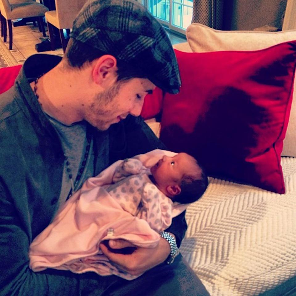 """He caught that love bug again! Look at the way Nick Jonas looked at his """"beautiful niece Alena Rose!"""""""