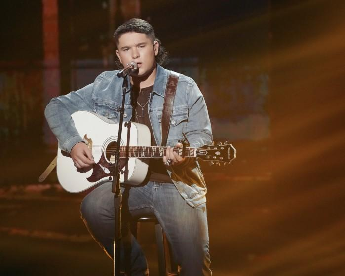 """CALEB KENNEDY on AMERICAN IDOL - """"417 (Coldplay Songbook & Mother's Day Dedication)"""" – """"American Idol"""" is back with a live coast-to-coast episode as the top seven contestants perform two songs each on SUNDAY, MAY 9 (8:00-10:00 p.m. EDT), on ABC. (ABC/Eric McCandless) CALEB KENNEDY"""