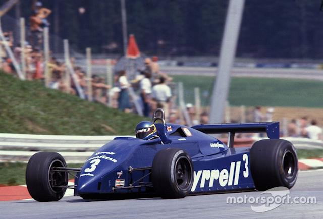 """Tyrrell 011, à moteur Ford Cosworth (1981-1983) <span class=""""copyright"""">Ercole Colombo</span>"""