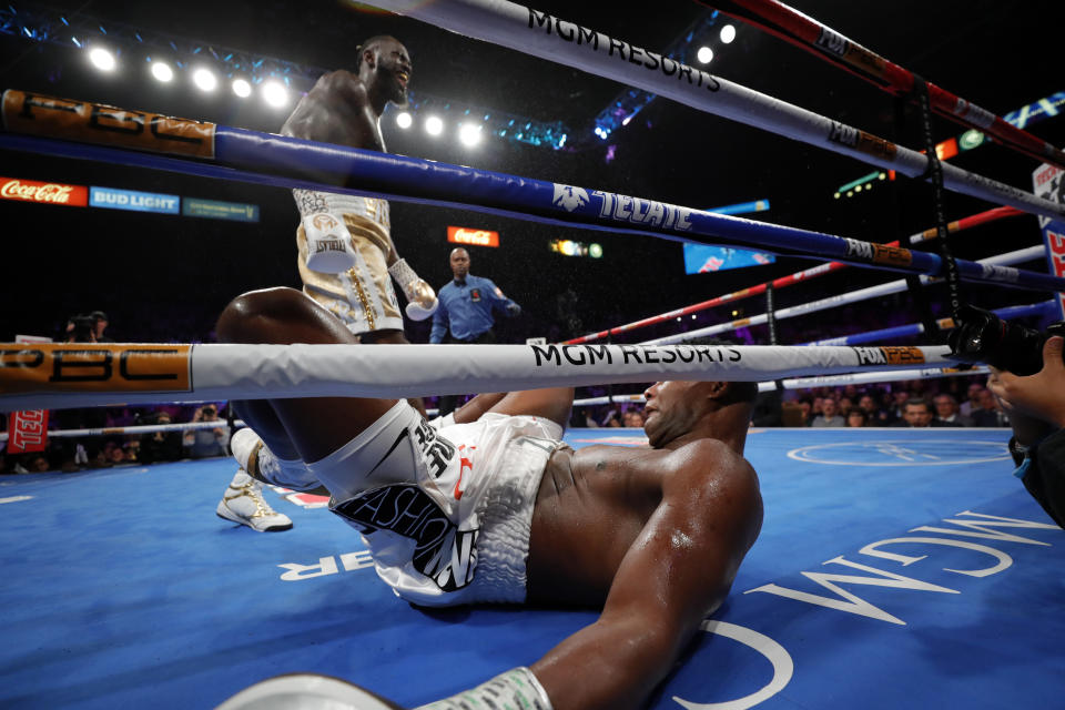 LAS VEGAS, NEVADA - NOVEMBER 23:  WBC heavyweight champion Deontay Wilder knocks out Luis Ortiz in the seventh round of their title fight at MGM Grand Garden Arena on November 23, 2019 in Las Vegas, Nevada.  (Photo by Steve Marcus/Getty Images)