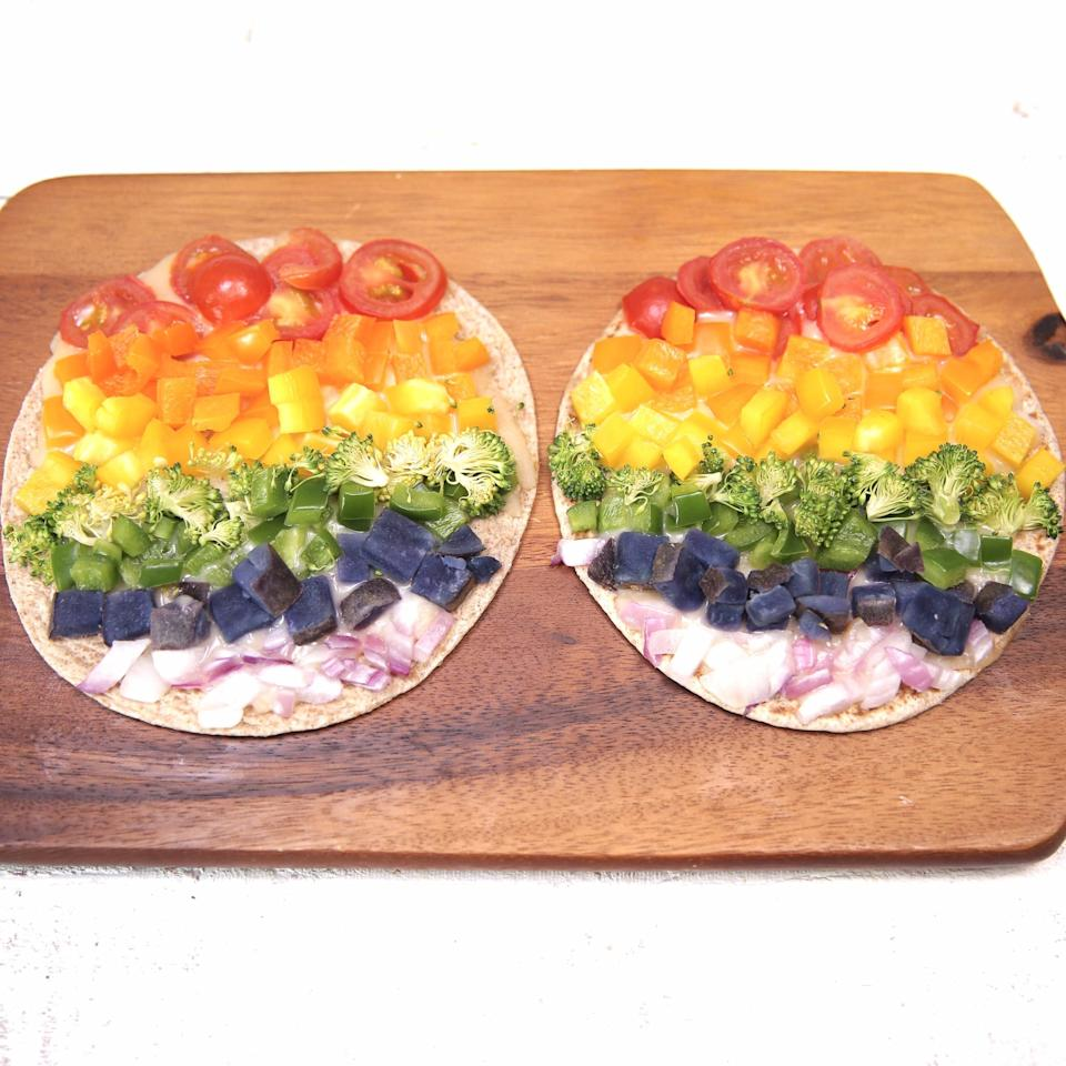 "<p><a href=""https://www.popsugar.com/fitness/Vegan-Rainbow-Pizza-42997903"" target=""_blank"" class=""ga-track"" data-ga-category=""Related"" data-ga-label=""https://www.popsugar.com/fitness/Vegan-Rainbow-Pizza-42997903"" data-ga-action=""In-Line Links"">Get the recipe here</a>.</p>"