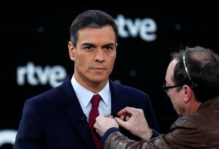 Candidate for Spanish general elections Spanish Prime Minister and Socialist Workers' Party (PSOE) Pedro Sanchez prepares before a televised debate ahead of general elections in Pozuelo de Alarcon, outside Madrid, Spain, April 22, 2019. REUTERS/Sergio Perez