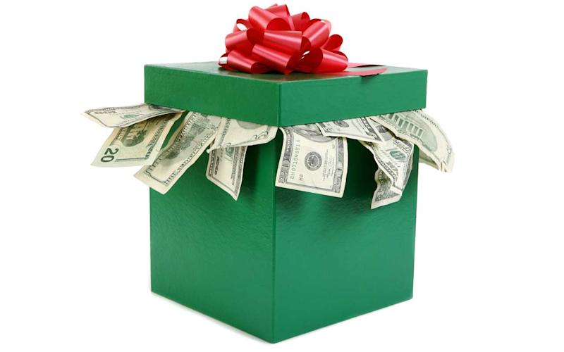 Year-End Tax Tip: Give Cash Gifts to Family and Friends