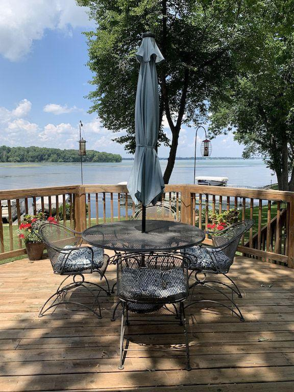 Lakefront Living in Madison