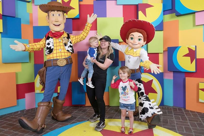 Kelly Clarkson and her kids, River and Remington | Christian Thompson/Disneyland Resort