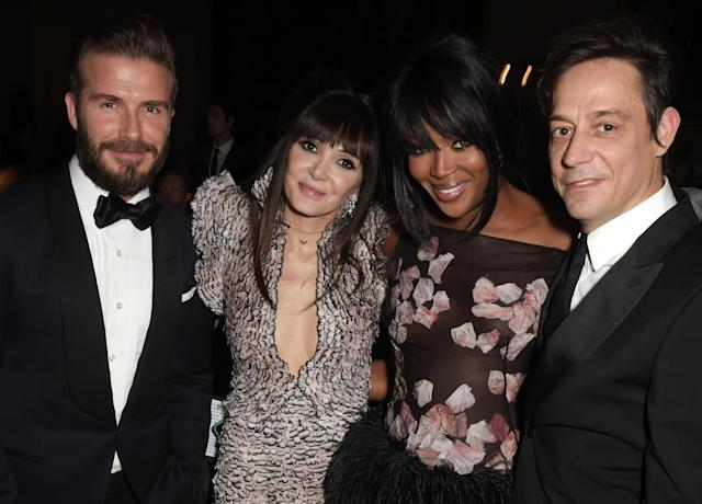 David Beckham, Annabelle Neilson, Naomi Campbell, and Jamie Hince at the Alexander McQueen: Savage Beauty Fashion Gala in 2015. (Photo: Getty Images)