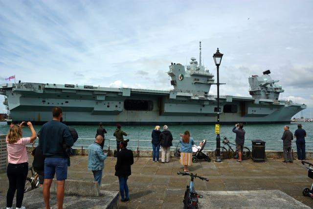 Queen Elizabeth carrier returns to resupply