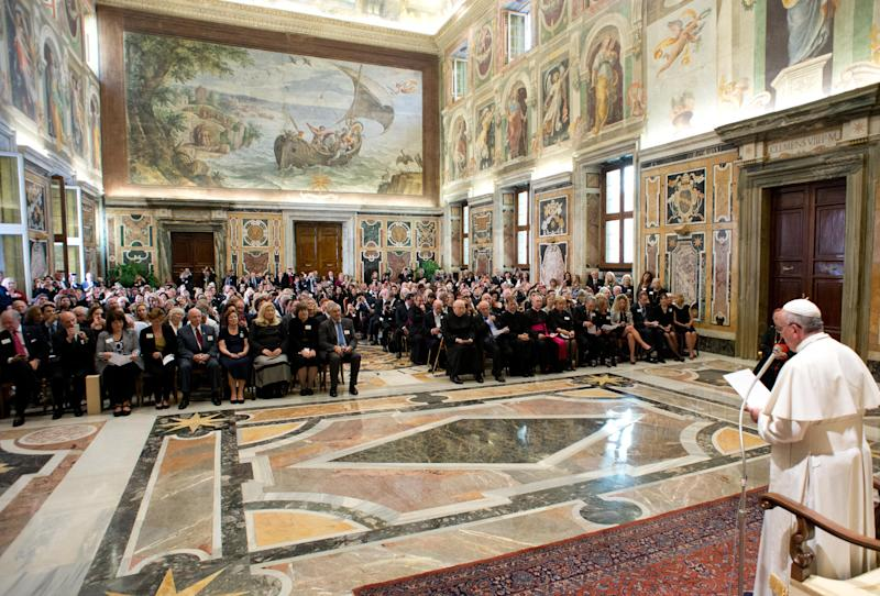 Vatican's US donors get access for a $500 pittance