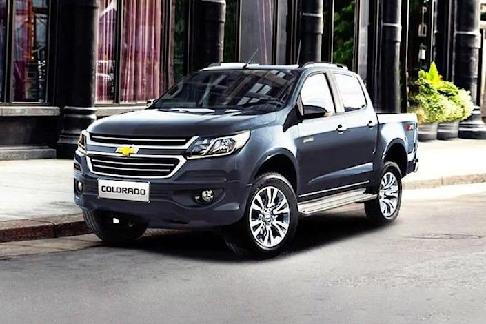 chevrolet-colorado-front-angle-low-view-275634