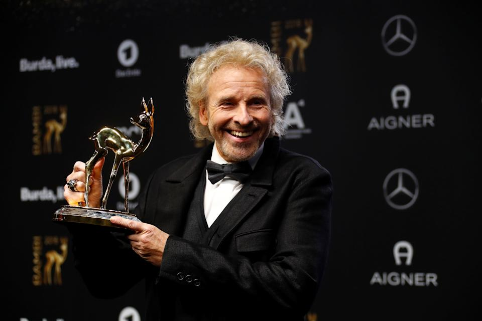 Thomas Gottschalk poses with Bambi 2018 Award in Berlin, Germany, November 16, 2018.    REUTERS/Fabrizio Bensch