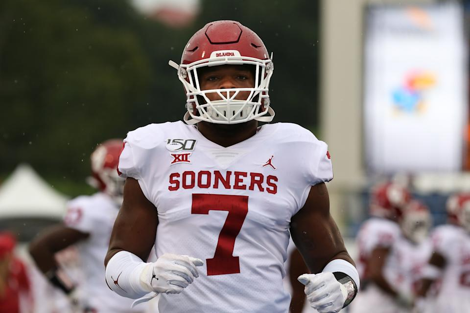 LAWRENCE, KS - OCTOBER 05: Oklahoma Sooners defensive lineman Ronnie Perkins (7) before a Big 12 football game between the Oklahoma Sooners and Kansas Jayhawks on October 5, 2019 at Memorial Stadium in Lawrence, KS. (Photo by Scott Winters/Icon Sportswire via Getty Images)