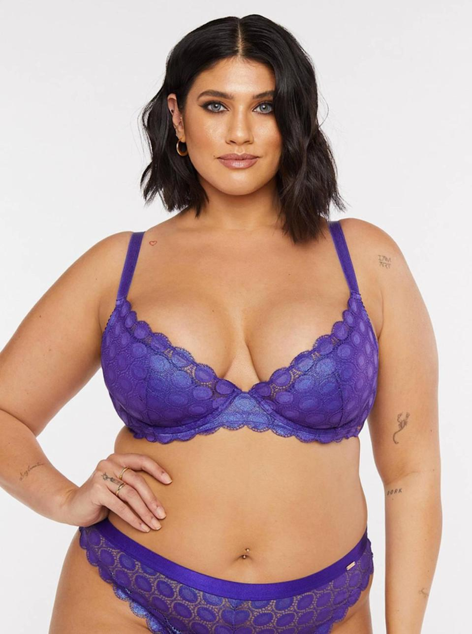 "<p><strong>Key selling points:</strong> Everything from the gorgeous violet-blue hue, to the retro-inspired design, to the light yet liftable padding, makes this bra (which goes up to a 46 DDD) a true (blue) winner.</p> <p><strong>What customers say:</strong> ""The color: stunning. The style: adorable. The design: amazing. I am a big fan of bras that aren't boring and make a statement. This is one of the ones that is slowly creeping my way up to my favorites. The color is flattering and bold and makes a statement. I love the way that it fits, and the support is excellent. I am going to buy this in the other colors available, and I recommend that you do as well!"" — <em>Jillian, reviewer on</em> <a href=""https://cna.st/affiliate-link/VMYJVKETKc2CMG1BZb1Kysvyks1oMK5bZ6FLwKzTV6zZD2XMDdhobBV4bPWQzsvKoCD4E7yQKERRcFHk1kERzeKnH8hxMeaGZf3Gsbtu7f2dwHTdHHoMKhEzaLAtoXmA8xEdVRytwWZrabMdANAaYLKq8NpkczN4Hmzdc4QGq7cTQ3b4aLzM4APmTtsuH8F2isMTZ1CtpEM75c?cid=606b544b5ffe9b4fe6a68020"" rel=""nofollow noopener"" target=""_blank"" data-ylk=""slk:Savage x Fenty"" class=""link rapid-noclick-resp""><em>Savage x Fenty</em></a></p> $29, Savage x Fenty. <a href=""https://www.savagex.com/shop/mod-on-the-moon-fashion-bra-ba2145775-1345-11328772?"" rel=""nofollow noopener"" target=""_blank"" data-ylk=""slk:Get it now!"" class=""link rapid-noclick-resp"">Get it now!</a>"