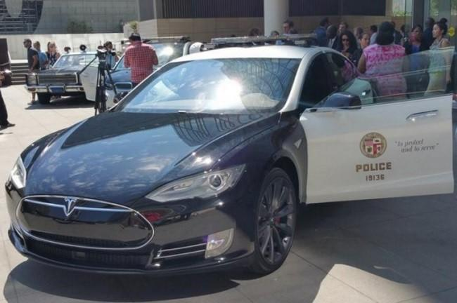 Los Angeles police will test the Tesla Model S as a patrol car after all