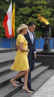 Mitt Romney and his wife Ann visit the monument to the Ghetto Heroes in Warsaw, July 31, 2012.