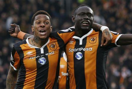 Hull City's Oumar Niasse celebrates scoring their first goal  with Hull City's Abel Hernandez