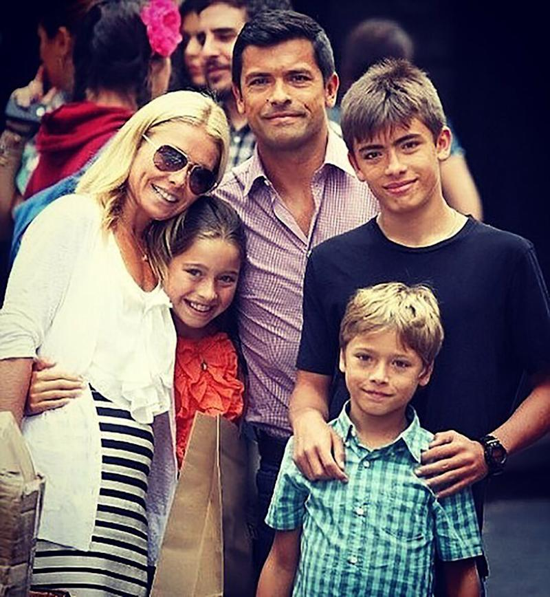 Kelly Ripa, Mark Consuelos, and kids Michael, Joaquin and Lola | Kelly Ripa/Instagram