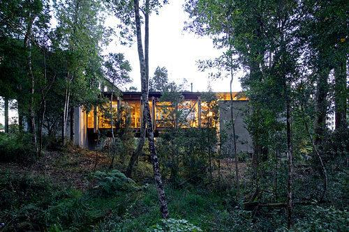 53d9b092c07a80452b000375_bridge-house-aranguiz-bunster-arquitectos_19.jpg