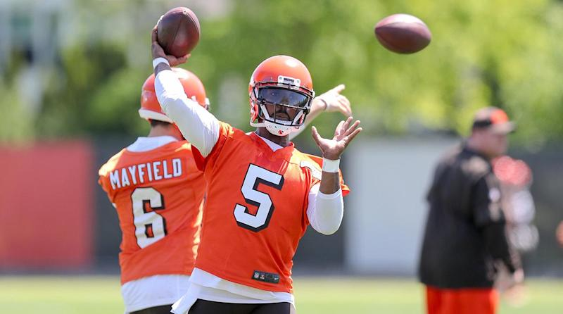 Tyrod Taylor or Baker Mayfield? Don't Believe Hue Jackson Has Made a Final Decision
