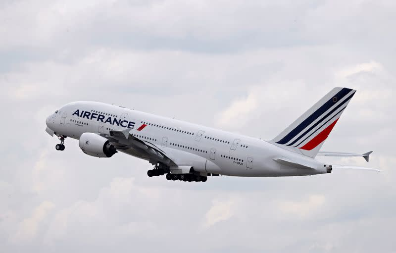 Air France pilots in draft deal on low-cost domestic flights