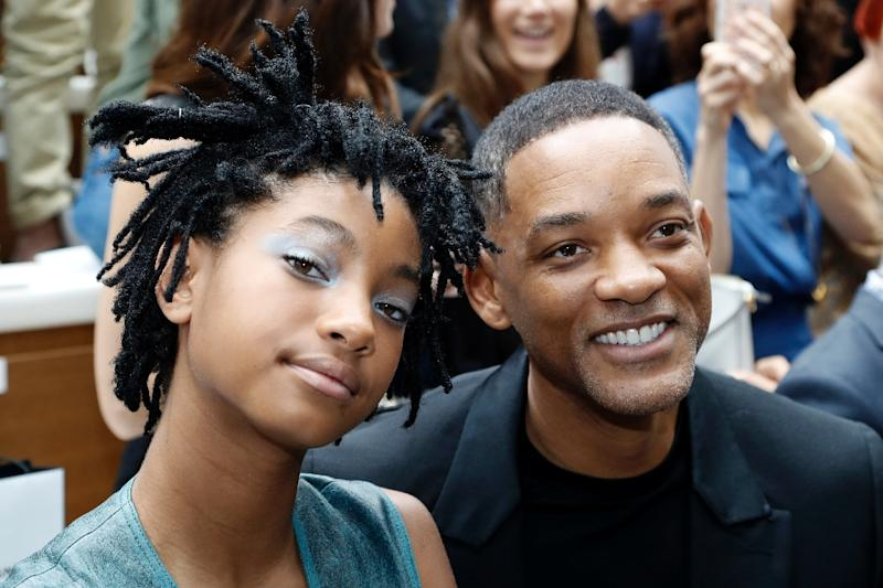 Will Smith (R) and his daughter Willow Smith pose before the Chanel 2016-2017 fall/winter Haute Couture collection fashion show in Paris (AFP Photo/FRANCOIS GUILLOT)