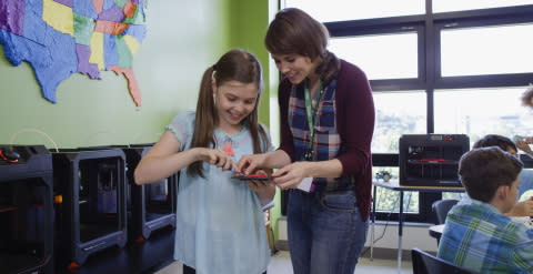 MakerBot Earns ISTE Seal for 3D Printing Certification Program, Study Shows K-12 Teacher Satisfaction Doubles in Two Years