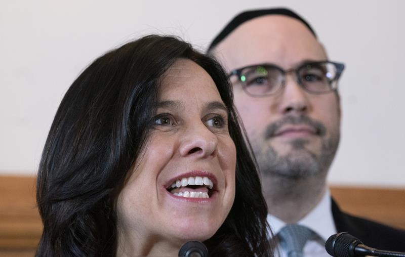 Montreal mayor, opposition leader unite to denounce Quebec's secularism bill