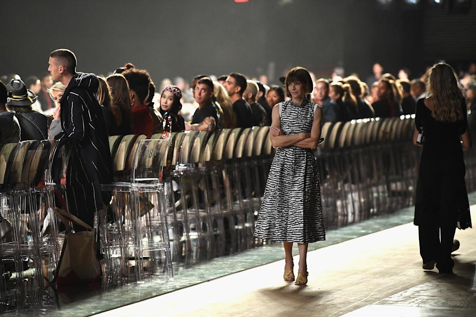 Anna Wintour appeared to be put out by the delay. (Photo: Dimitrios Kambouris/Getty Images for Marc Jacobs)