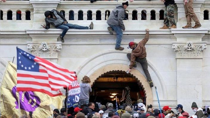 A mob loyal former US President Donald storm the Congress building in Washington DC. Photo: 6 January 2021