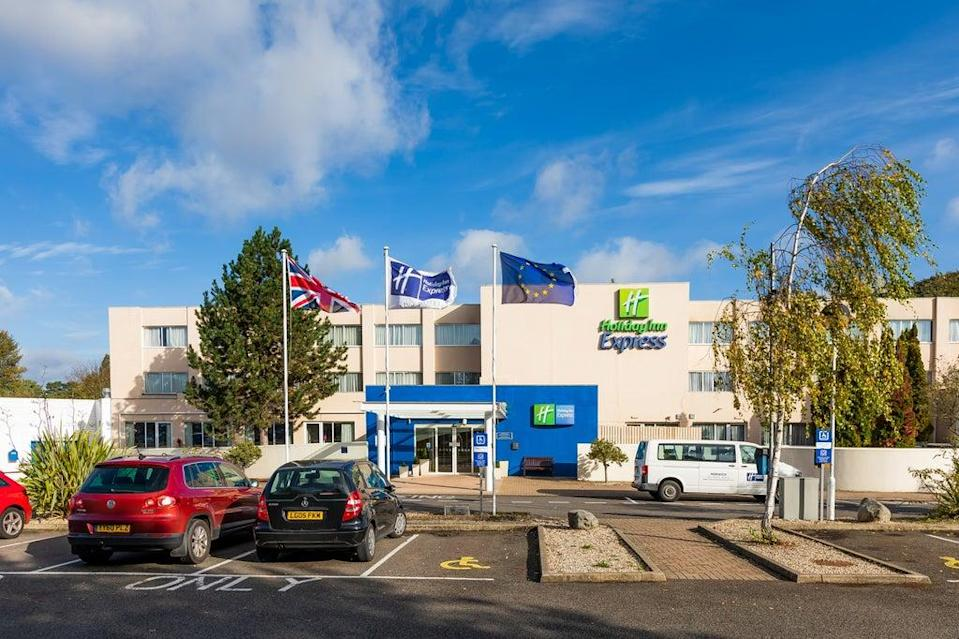 (The Holiday Inn Express on the outskirts of Norwich)