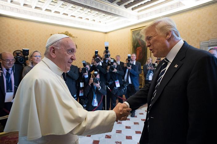 <p>Pope Francis meets with President Donald Trump on the occasion of their private audience, at the Vatican, Wednesday, May 24, 2017. (Photo: L'Osservatore Romano/Pool Photo via AP) </p>