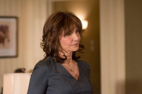 Justified Postmortem Mary Steenburgen Talks About That Rv Scene And The Katherine Avery Love Story