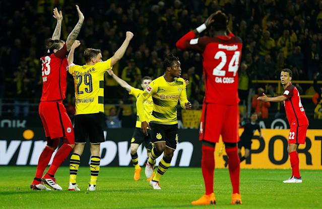 Soccer Football - Bundesliga - Borussia Dortmund vs Eintracht Frankfurt - Signal Iduna Park, Dortmund, Germany - March 11, 2018 Borussia Dortmund's Michy Batshuayi celebrates scoring their third goal REUTERS/Thilo Schmuelgen DFL RULES TO LIMIT THE ONLINE USAGE DURING MATCH TIME TO 15 PICTURES PER GAME. IMAGE SEQUENCES TO SIMULATE VIDEO IS NOT ALLOWED AT ANY TIME. FOR FURTHER QUERIES PLEASE CONTACT DFL DIRECTLY AT + 49 69 650050