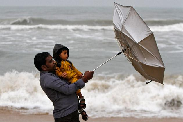 Tropical Cyclone Nilam Aims for Southeast IndiaTropical Cyclone Nilam Aims for Southeast India