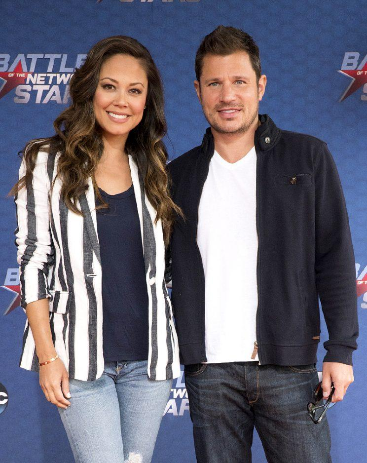 Nick and Vanessa Lachey on the red carpet.