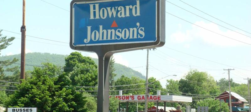 Remember These Chain Restaurants? They're Still Hanging On
