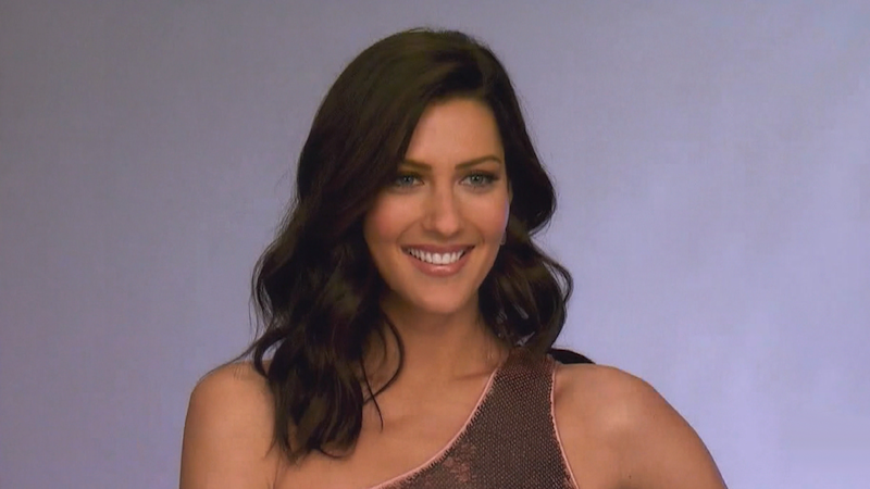 'Bachelorette' Becca Kufrin Reunites With Fan Favorite She Cut in the First Episode