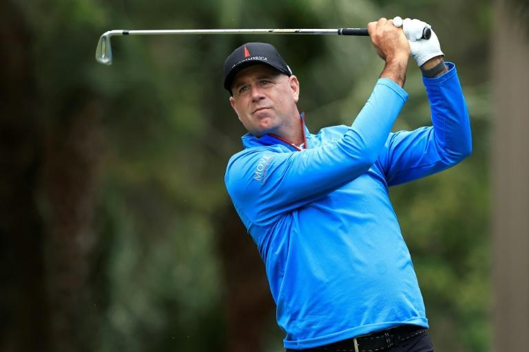 US veteran Stewart Cink fired a second straight 63 to take a five-shot lead at the halfway stage of the US PGA Tour RBC Heritage