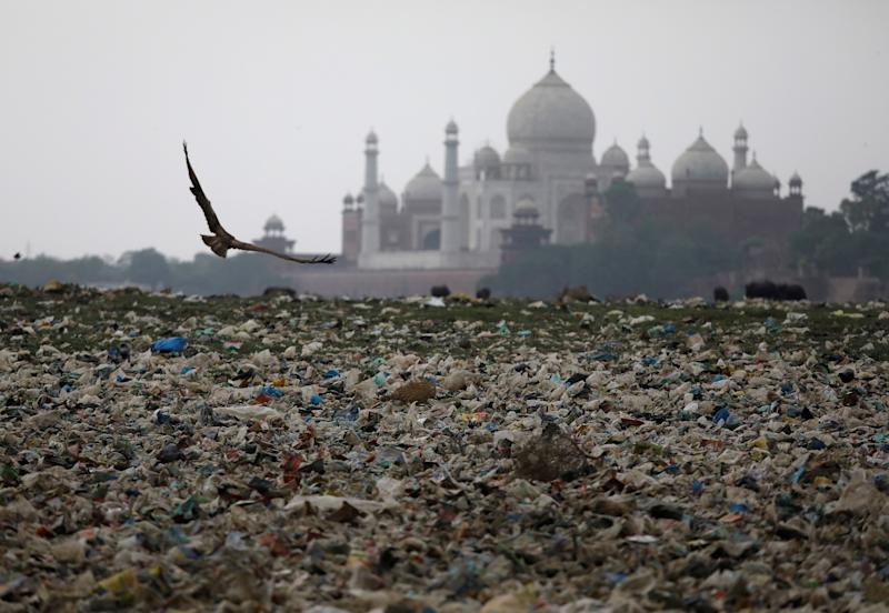 Garbage is seen on the polluted banks of the river Yamuna near the historic Taj Mahal in Agra, India, May 19, 2018. Picture taken May 19, 2018. REUTERS/Saumya Khandelwal