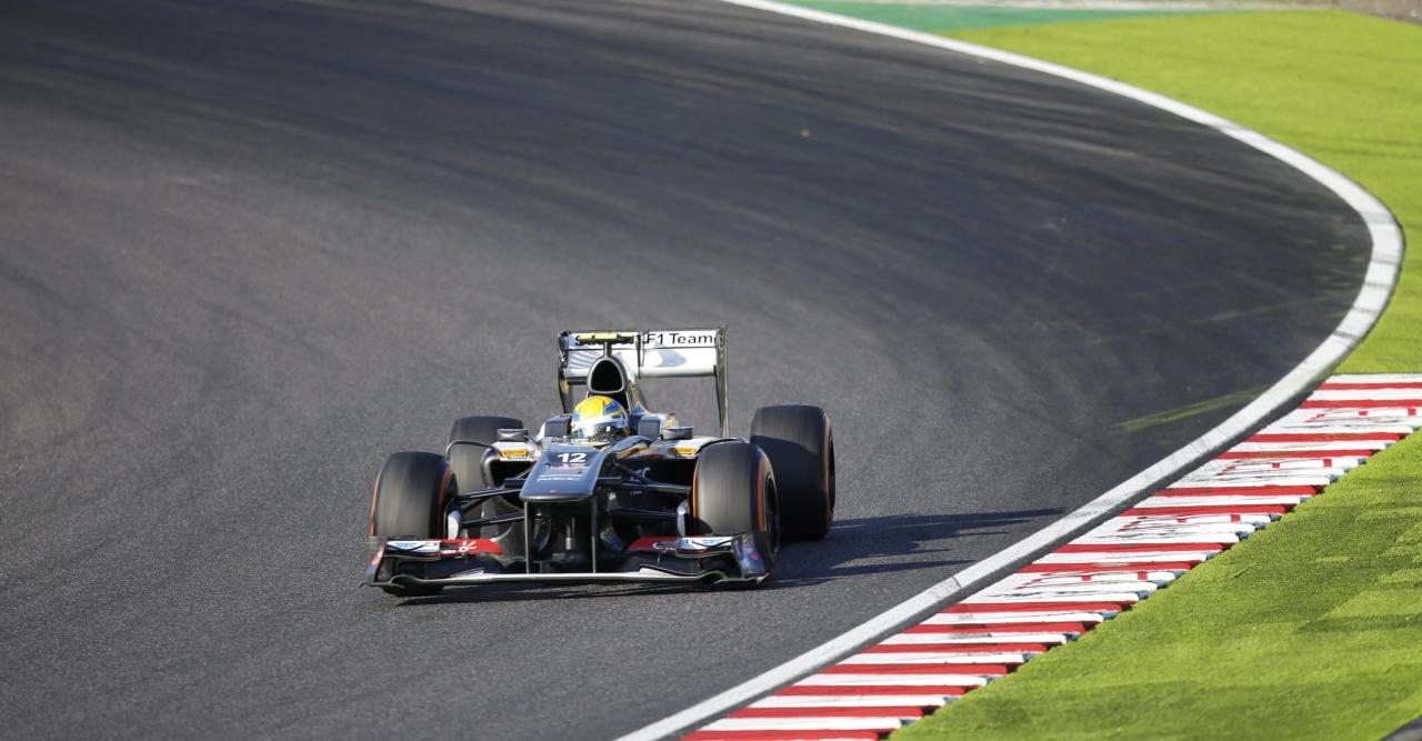 Sauber Formula One driver Esteban Gutierrez of Mexico races during the Japanese F1 Grand Prix at the Suzuka circuit October 13, 2013. Sauber's Gutierrez became the first rookie driver to score a point this season with seventh place for Sauber. REUTERS/Issei Kato (JAPAN - Tags: SPORT MOTORSPORT F1)