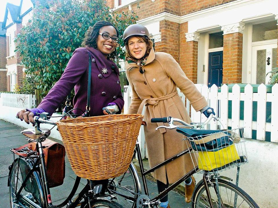 """<div class=""""caption-credit""""> Photo by: londoncyclechic.blogspot.com</div>Yes, it is possible to look stylish in a bike helmet. Wear one."""